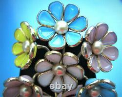 1940 Crown Trifari Alfred Philippe Poured Glass Flower Bouquet Rhodium Fur Clip