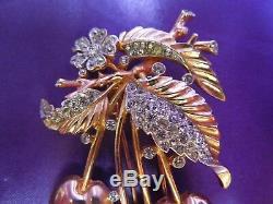 Alfred Philippe Crown Trifari Rose Yellow Gold Tone Cherry Brooch Pin Fur Clip