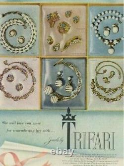 Earrings Necklace Trifari Set Milk Glass Apple Rare Pat Pend