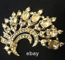 Rare Vintage Crown Trifari Brooch Alfred Philipp Book Pice. Des. Pet #149584