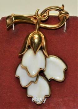 Signed TRIFARI Crown Pat 160,422 Alfred Philippe Milk Glass Dangle Pin Brooch