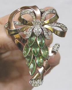 Vintage Crown Trifari Alfred Philippe Fur Clip Green Navettes Pave Iris Goldtone