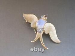 Vintage Crown Trifari Alfred Philippe Jelly Belly Moonstone Bird Swallow Pin