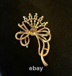 Vtg Gold Bow Emerald Green Rhinestone Crown TRIFARI Alfred Philippe Brooch Pin